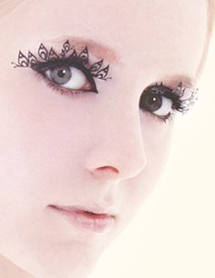 Paper eyelashes by all things paper, via Flickr