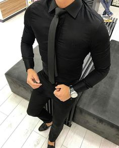 Mens fashion dressed H2T in all black