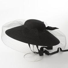 Retro elegant net yarn wool blanket yurt hat fashion show concave shape veil hat Black hat Flat Hats, Fascinator Hats, Fascinators, Wide Brimmed Hats, Pamela, Bowler Hat, Stylish Hats, Love Hat, Wool Blanket
