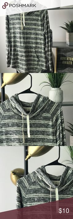 Heather grey striped sweater Brand new, never worn, scrunched at the neck. Perfect for fall days/nights. Great layering piece too! Purchase comes with free gift. Sweaters Crew & Scoop Necks