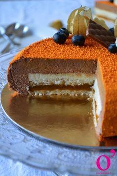 Entremet chocolat, vanille bleue et passion