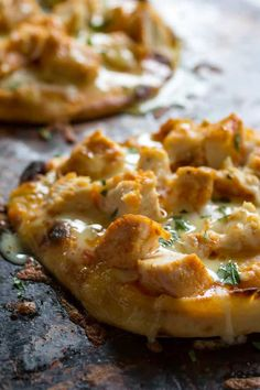 Traeger Buffalo Chicken Flatbread is so easy to make on the grill, and bursting with flavor. You'll love this change-up from your norm! Grilled Chicken Recipes, Pizza Recipes, Grilled Meat, Oven Recipes, Easy Recipes, Soup Recipes, Dinner Recipes, Traeger Recipes, Gourmet