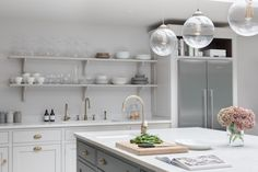 Victorian Family Home - Classic Contemporary Open Plan Kitchen - Humphrey Munson Kitchens Shaker Kitchen, New Kitchen, Kitchen Ideas, Kitchen Redo, Devol Kitchens, Home Kitchens, Luxury Kitchens, Contemporary Open Plan Kitchens, Humphrey Munson