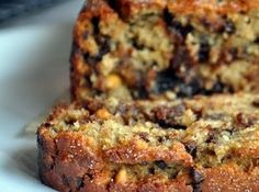 Chip Peanut Butter Banana Bread Peanut Butter Banana Bread with Chocolate Chips. This sounds like a delicious combo!Peanut Butter Banana Bread with Chocolate Chips. This sounds like a delicious combo! Köstliche Desserts, Delicious Desserts, Dessert Recipes, Yummy Food, Yummy Yummy, Drink Recipes, Delicious Chocolate, Brunch Recipes, Delish