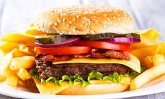 Junk food does more than make you fat, and other studies you missed Junk Food, Ketchup, Hamburger, Beef, Make It Yourself, Health, Ethnic Recipes, Easy, Ceux Ci