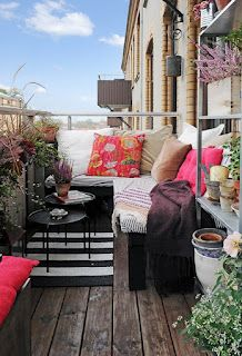 25+ Brilliant Ways To Brighten Up A Small Balcony - Easy And Affordable Designs | the perfect line