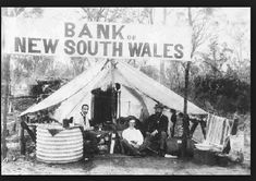 The Bank of New South Wales 'tent branch' in the goldfields at West Wyalong, NSW, Australia. Antique Photos, Old Photos, Vintage Photos, Australia Day, Historical Pictures, Tasmania, South Wales, Wales West, Back In The Day