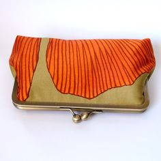 Clutch Frame Kisslock Purse Lined in Silk in