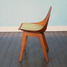 Plywood Chair van Pierre Guariche - WonderWood