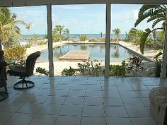 4/3 waterfront home includes separate guest house with master bedroom and bath. Sleeps 10