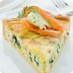Smoked salmon, spinach and spring onion quiche Salmon Recipes, Fish Recipes, Seafood Recipes, Cooking Recipes, Quiches, French Quiche Recipe, Smoked Salmon Quiche, Shrimp Quiche, Salmon Frittata