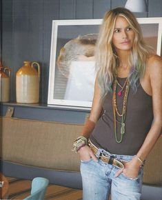 The body & # Elle Macpherson looks hot in her All Spice Chain and Friendship Band! Elle Macpherson, Bohemian Mode, Hippie Chic, Bohemian Lifestyle, Mode Style, Style Me, Casual Chic, Look Boho Chic, Look Jean