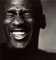 Michael Jordan laughing (by Nadav Kander) Michael Jordan, Beautiful Smile, Beautiful People, White Photography, Portrait Photography, Urban Photography, Foto Portrait, People Laughing, Happy People