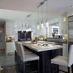 Armoires de cuisine en bois et comptoir de cuisine en quartz Decoration, Beauregard, Kitchen, House, Inspiration, Manon, Furniture, Home Decor, Design Of Kitchen