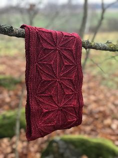 Ravelry: Geodesic Cowl pattern by Emily O'Brien Yarn Projects, Knitting Projects, Crochet Projects, Knitting Tutorials, Stitch Patterns, Knitting Patterns, Crochet Patterns, Cowl Patterns, Free Knitting