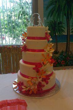 OMG. I love love love this cake!! Tropical wedding cake by bluecakecompany, via Flickr