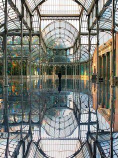 Kimsooja's Room of Rainbows - Palacio de Cristal