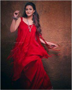 Hot & Sexy Pics of Keerthi Suresh Cute Girl Poses, Cute Girls, Stylish Girl Images, Cute Girl Photo, Beautiful Indian Actress, Bollywood Actress, Tamil Actress, Trendy Dresses, Blouse Designs