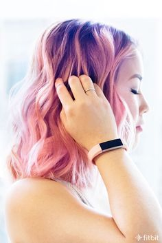 How To Style Your Fitness Tracker Best Fitness Tracker Watch, Fitness Gear, Pink Hair, Blonde Hair, Fitness Wristband, Fitbit Alta, Pretty In Pink, Hair Color, Long Hair Styles