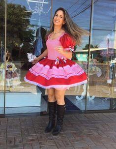 Vestidos para Festas Juninas | Como fazer em casa Marie, Ideias Fashion, Summer Dresses, Store, Maxi Dresses, Party Skirt, Party Dress, Dress Making, Gorgeous Dress