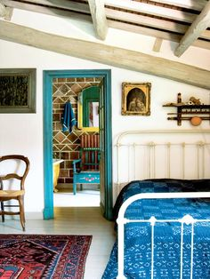 Little touches can make a big difference. Love the pop of color in the door frame. Source: Period Living through Inspiring Interiors Interior Paint, Interior Decorating, Decorating Ideas, Bohemian House, Boho, Period Living, Houses In France, Home Bedroom, Bedrooms