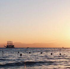 Lovely Sunset ✨ #turkey #beach #sunset Turkey, Wanderlust, Celestial, Sunset, Beach, Outdoor, Outdoors, Turkey Country, Seaside