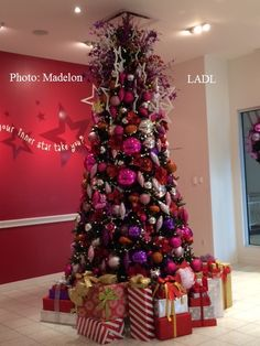American Girl Christmas trees are so pretty