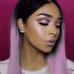 Glowing makeup from @vemakeup713. Who can miss on this look?  Products used: BROWS: #Dipbrow & #BrowWiz in Granite EYES: Modern Renaissance palette with Lime Crime super foil Electric GLOW:  Moonchild #GlowKit #glowingmakeup #glowmakeup #makeup