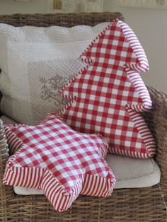 Red and white Christmas cushions by shopportunity Christmas Sewing, Christmas In July, Country Christmas, All Things Christmas, Christmas Ornaments, Christmas Quilting, White Christmas, Beautiful Christmas, Christmas Decorations Sewing