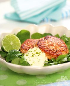 This looks tasty! I Love Food, Good Food, Yummy Food, Clean Eating, Healthy Eating, Vegetarian Recipes, Healthy Recipes, Salmon Dishes, Fish Recipes