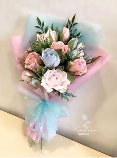 Paper Flower Decor, Flower Decorations, Flower Art, Cumpleaños Diy, How To Make Paper Flowers, Sweet Stories, Flower Designs, Flower Power, Diy Gifts
