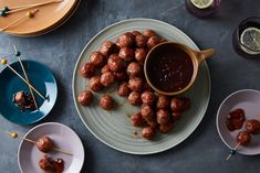 Turkey Meatballs with Cranberry sauce. These tender, flavor-packed meatballs are the perfect Thanksgiving party snack, but they'd also make an excellent meatball sub. Meatballs With Cranberry Sauce Recipe, Meatball Recipes, Turkey Recipes, Yummy Appetizers, Appetizer Recipes, Snack Recipes, Nachos, Best Thanksgiving Appetizers, Thanksgiving Leftovers