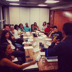 Primeiro exercício: gestão de crise nas mídias sociais. Interação, planejamento e criatividade! #analistasmvitoria