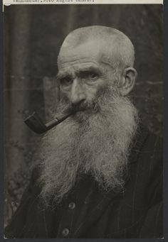Venn-Farmer (Venn-Bauer).; August Sander (German, 1876 - 1964); about 1920 - 1930; Gelatin silver print; 22.2 x 13.5 cm (8 3/4 x 5 5/16 in.); 84.XM.126.492; Copyright: © J. Paul Getty Trust