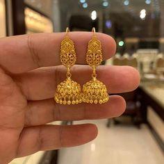 Gold Ring Designs, Gold Bangles Design, Gold Earrings Designs, Gold Jewellery Design, Kundan Jewellery Set, Silver Jewellery Indian, Ear Jewelry, Gold Jewelry, Gold Jhumka Earrings