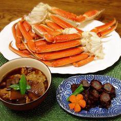とりあえず、晩ご飯〜。おせち料理はまだ続く。 - 130件のもぐもぐ - かに・牛肉八幡巻き・豚汁 by madammay