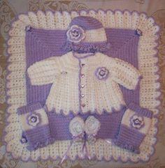 Bébé fille pull lavande ensemble Layette couverture au crochet, chapeau volant et des jambières et des bottillons parfait pour Baby Shower Gift ou emporter Outfit