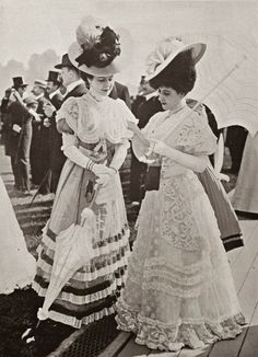 Gorgeous Edwardian dresses, hats and parasols, Belle epoque fashion. Edwardian Era Fashion, 1900s Fashion, Edwardian Dress, Vintage Fashion, Edwardian Style, Women's Fashion, Fashion Quotes, Vintage Beauty, Victorian Era