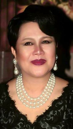 Queen Sirikit, Bhumibol Adulyadej, Royal Jewelry, Royals, King, Jewels, Woman, Royal Jewels, Jewerly