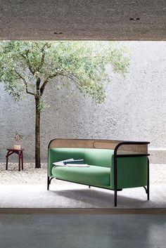 Canapé Cannage Targa Sofa / GamFratesi for Gebrüder Thonet Sofa Design, Canapé Design, Deco Design, Design Loft, Design Trends, Design Awards, Design Ideas, Rattan Furniture, Modern Furniture