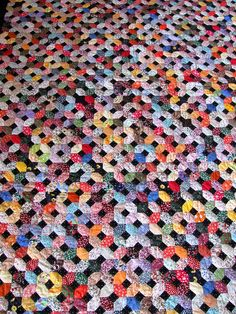 Aunt Clara Quilt, English Paper Piecing, hand quilted