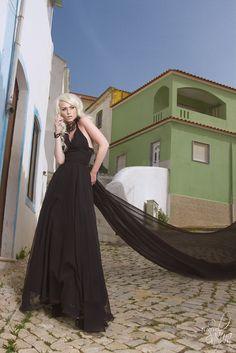 """The truth about widows"". Model : Romanie Smith. Hairdressing : Christophe Pujol. Fashion design : Histoire de Fraises. Jewelry : Selene de Viollet. Photo : Nath-Sakura. #photo #photographie #photographe #photographer #fineart #studiob612 #nathsakura #studiophoto #studio #cours #formation #stage #masterclass #workshop #laverune #montpellier #herault #model #portrait #woman #sexy #fashion #fetish #light #flash #profoto #canon"