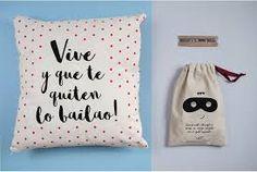 Resultado de imagen para bolsos de tela con frases Diy Papier, Kit, Reusable Tote Bags, Decor, Ideas, Frases, Christmas Presents, Fabric Handbags, Original Gifts