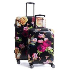 Take the Astyll collection on your next getaway! The CALPAK Astyll Carry-On features 8 multi-directional spinner wheels that offer effortless mobility, a retractable handle, and is expandable for extr