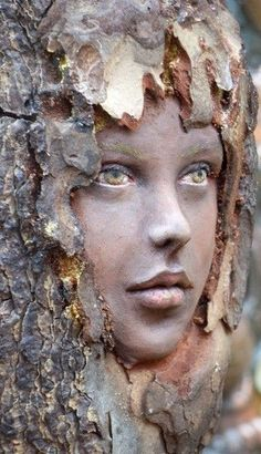 Ein erstaunlicher Holzgeist ~ … An amazing wood spirit ~ … 40 Exceptional examples of carving trees ArtCarving a stump in art – Bing Images most amazing Gnome Home. Arte Fashion, Tree Faces, Tree People, Tree Carving, Wow Art, Green Man, Wood Sculpture, Sculpture Ideas, Garden Sculpture