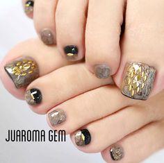 Pin by リアクカ on ネイル Pedicure Designs, Pedicure Nail Art, Toe Nail Designs, Cute Toe Nails, Cute Nail Art, Gorgeous Nails, Pretty Nails, Feet Nails, Colorful Nail Designs