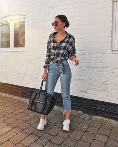 outfits ideas to 2019 casual fashion springs summer outfits and womens fashion trendy outfits Cute Casual Outfits, Simple Outfits, Stylish Outfits, Casual Outfits For Winter, Casual Jeans, Jeans Style, Winter Fashion Outfits, Look Fashion, Fall Outfits