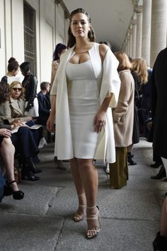 The best looks from the Milan Fashion Week parties here, featuring Ashley Graham. Big Girl Fashion, Fashion Week, Curvy Fashion, Plus Size Fashion, Milan Fashion, Fashion Photo, Curvy Outfits, Plus Size Outfits, Fashion Outfits