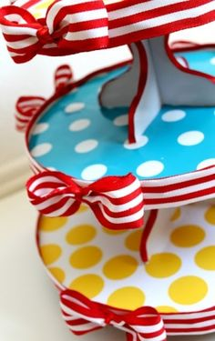 Dr. Seuss cardboard cupcake stand by angela
