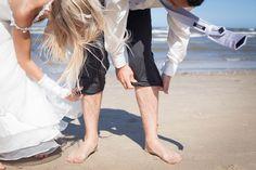 Bijna weekend ben je klaar voor mooi weer?  #weddingideas #weddingdress #weddingphotography #weddingphotoinspiration #netherlands #nederland #hochzeit #trouwreportage #zee #zand #zomer #strand #canon50mm14 #canon5dmarkii